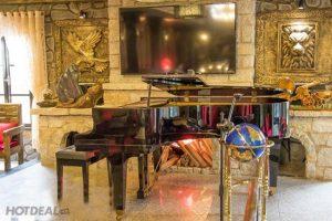 Stone Castle Café