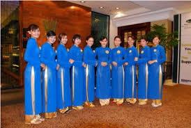 áo dài đồng phục lễ tân